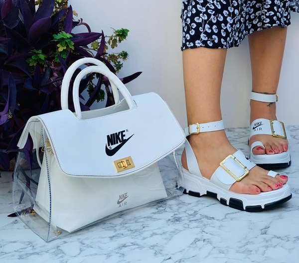 Nike sandals picture