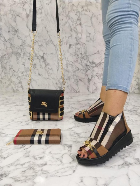 Burberry shoes picture
