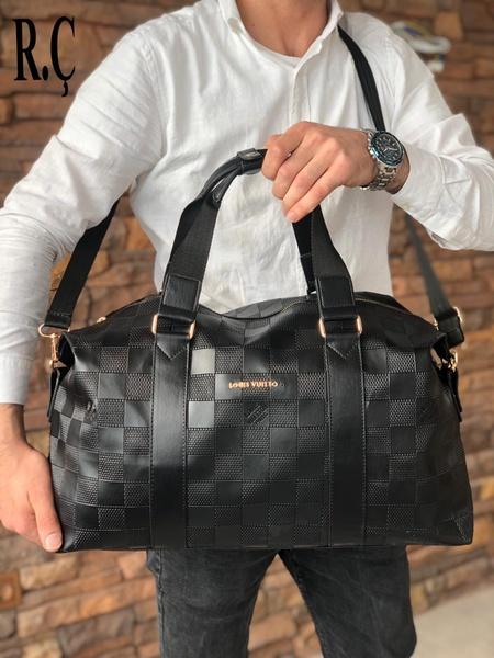 Louis vuitton traveling bag picture