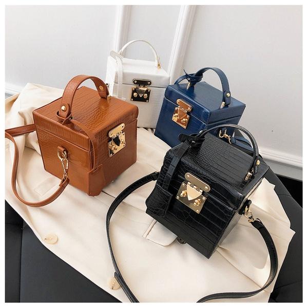 Square box handbag picture