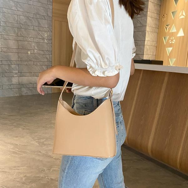 Nude handbag picture