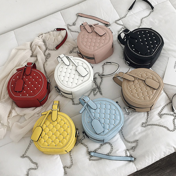 Chained side bag picture