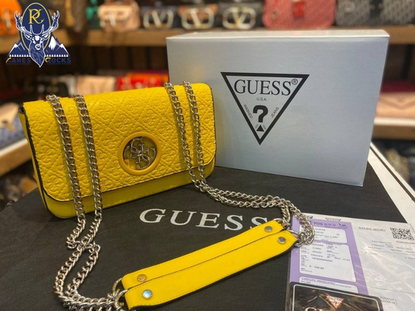 Guess sidebag picture