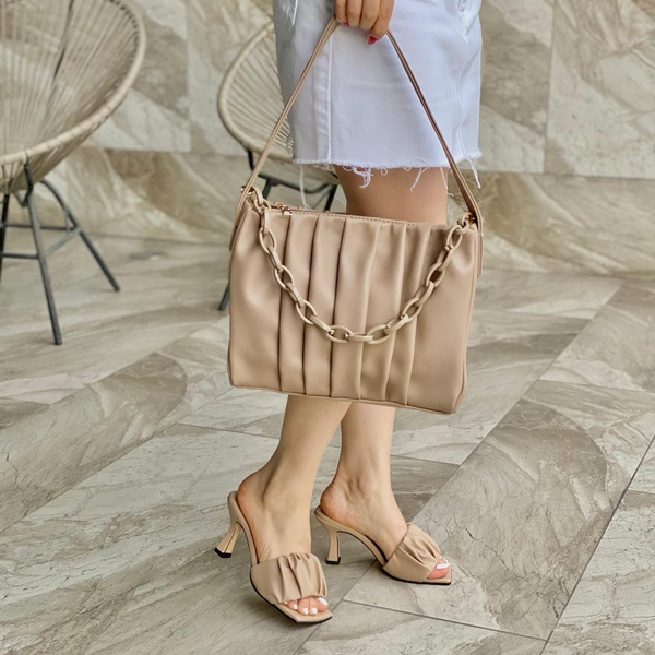 Bag and shoe set picture