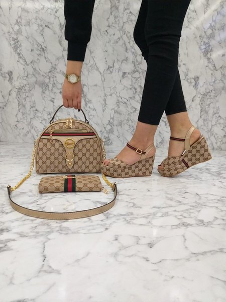 Gucci sidebag and shoe set picture