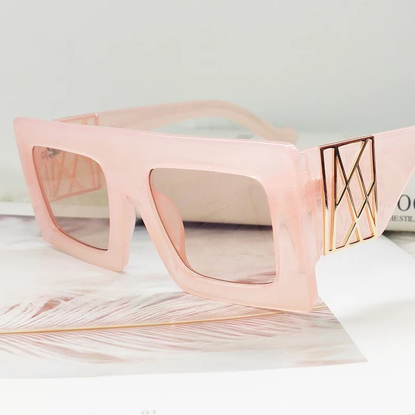 Chic summer shades - champagne picture