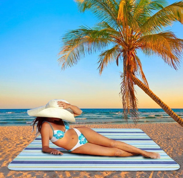 Waterproof beach mat picture
