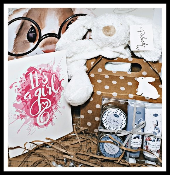 Its a girl baby gift box picture
