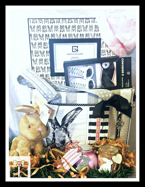 Designer's new born bunny and mummy gift box picture