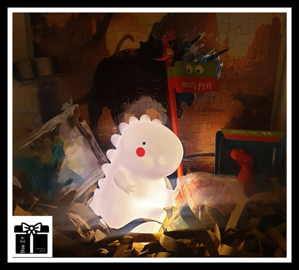 Dino activity gift box picture