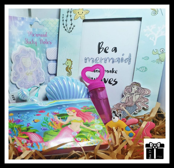 Mermaid and waves gift box picture