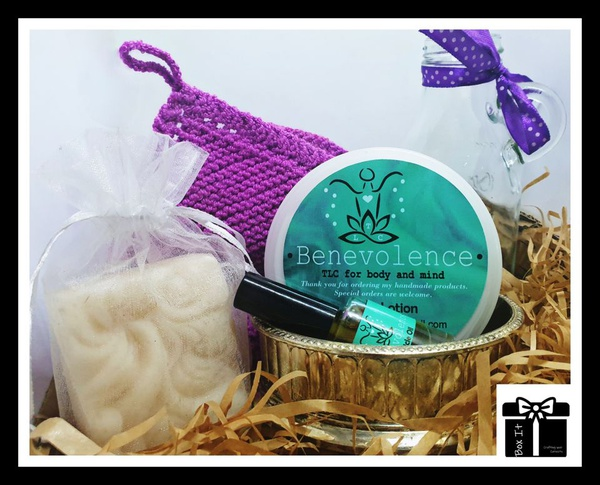 Ladies tlc spa gift box picture