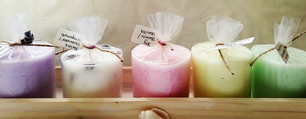 Relax 5 pack aromatherapy locally hand crafted candles in wooden crate picture
