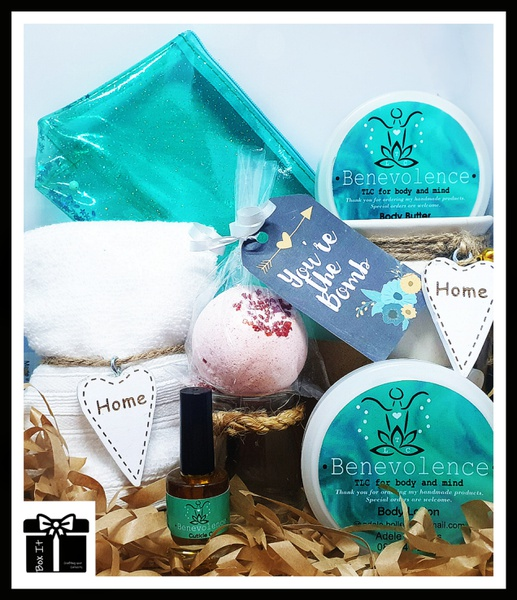 Natural beauty spa gift box picture