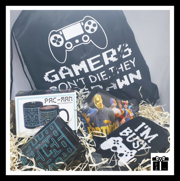 The gamer gift box picture