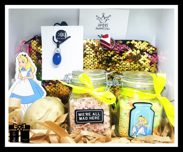 Alice and her wonderland gift box picture