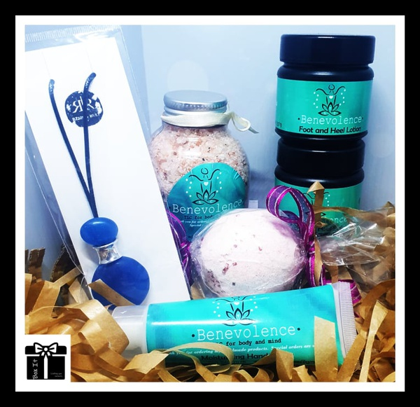 Lady coral gift box picture