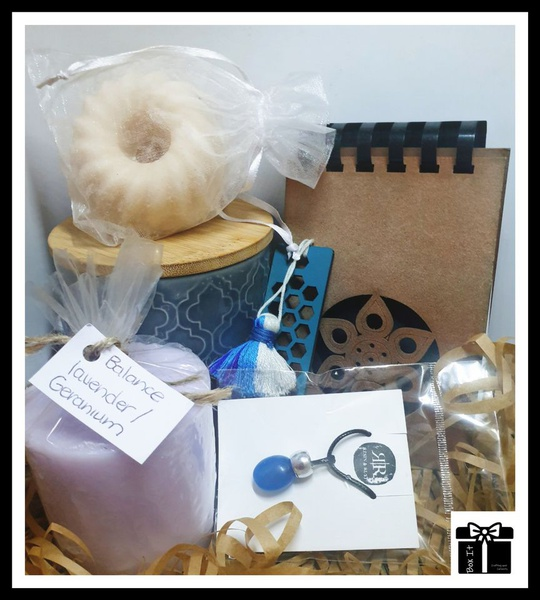 Living beautifully gift box picture