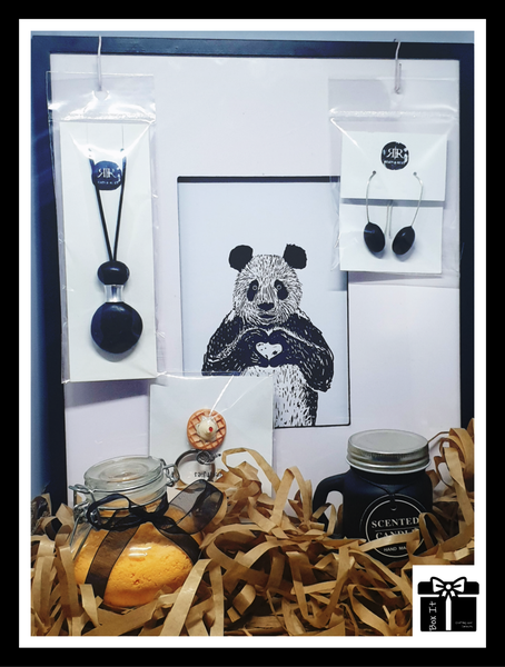 Stylish design in black and white gift box picture