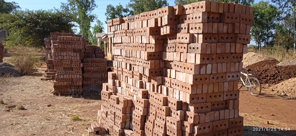 Great quality building bricks for sale. picture