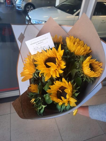 Sunflower bouquet picture