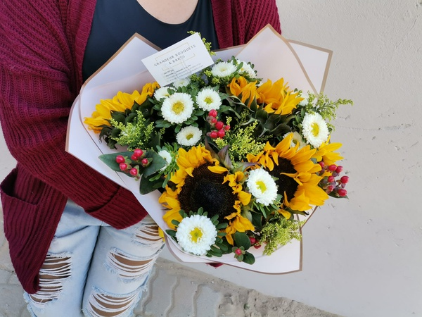 Luxury sunflower mixed bouquet picture