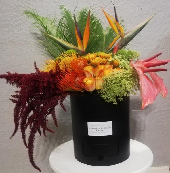 Grande paradise luxury fleur box picture