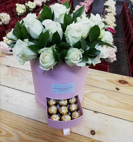 Grande fleur luxury rose box picture
