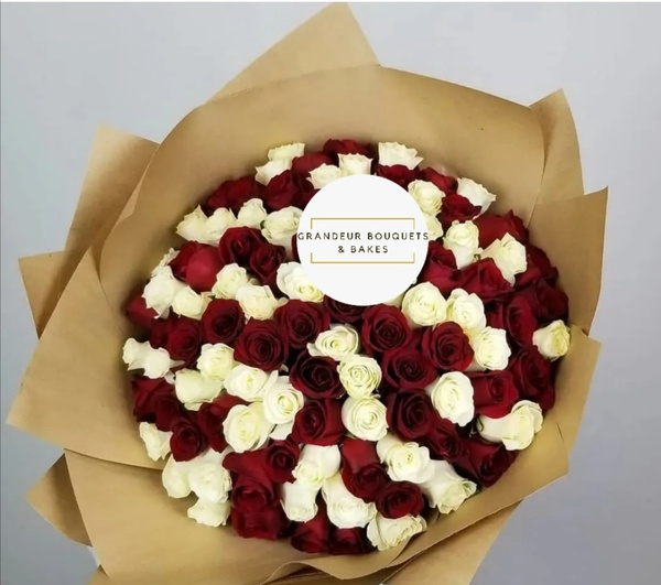 100 luxury mixed rose bouquet picture