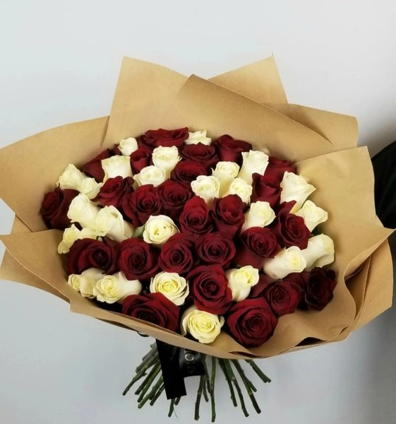 50 luxury fresh mixed rose bouquet picture