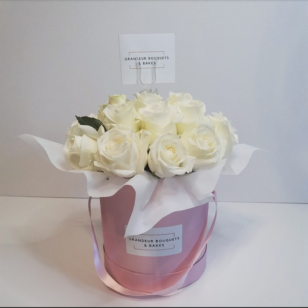 Pink bliss luxury rose hatbox bouquet picture