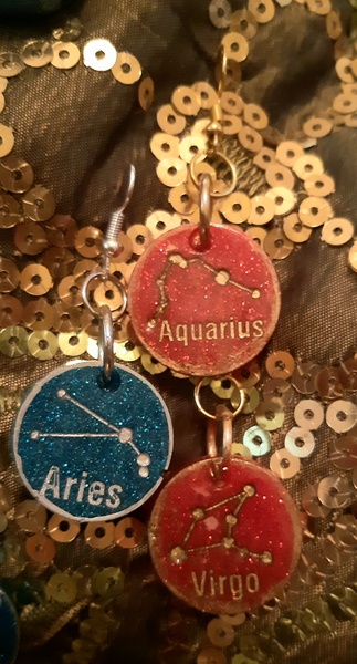 Zodiac/constellation earrinhs picture