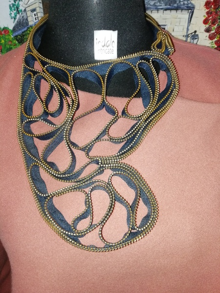 Zinhle zip designer neckpiece picture