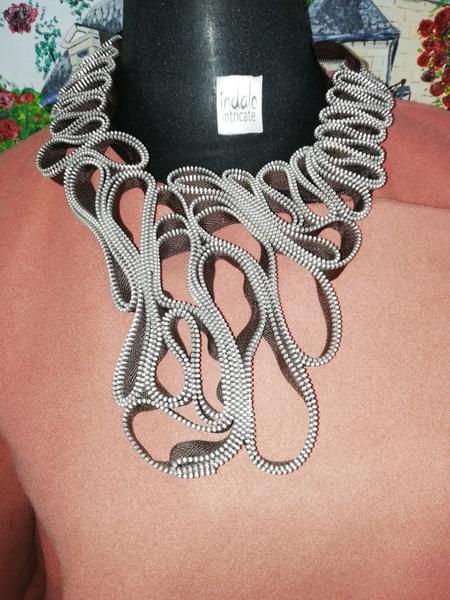 Sihley zip designer neckpiece picture