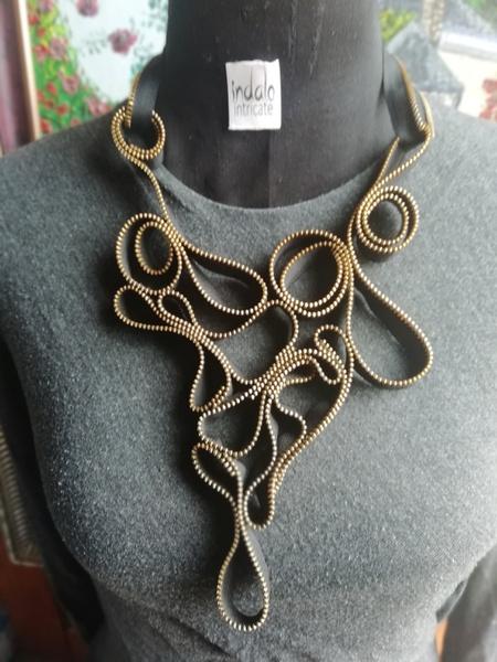 Mpumelelo zip designer neck piece picture