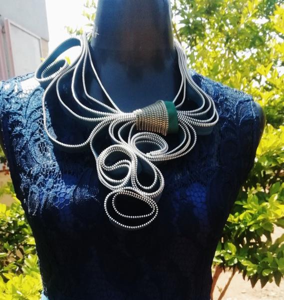 Inhle zip designer neck piece picture