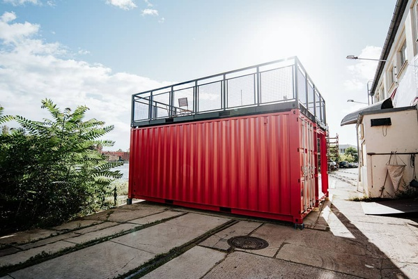 6m top deck double container. picture