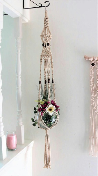Macrame plant hanging picture