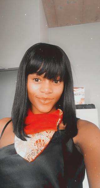 Fringe wig picture