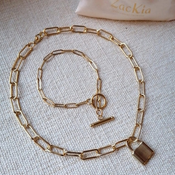 Cabline-lock necklace and barney bar bracelet picture
