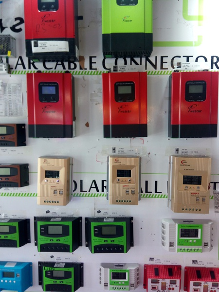 10amp pwm charge controller picture