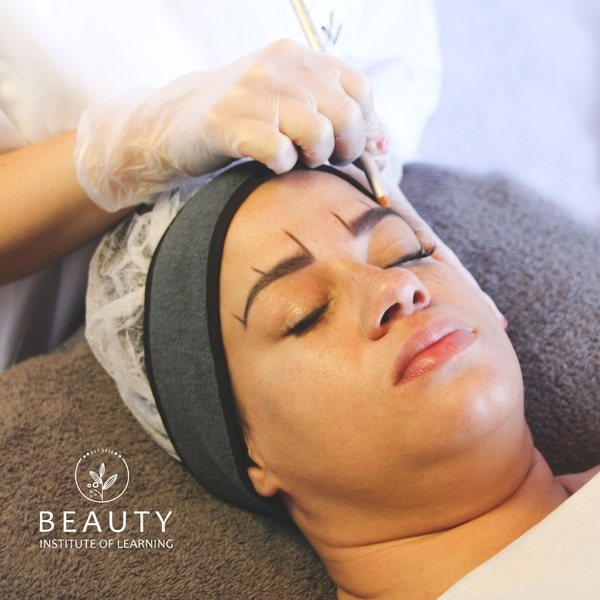 Facial waxing, tinting & shaping, including kit picture