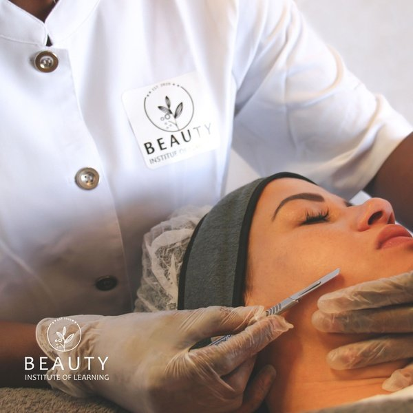 Dermaplaning training, including kit picture