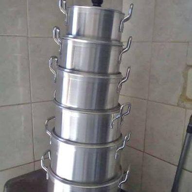 Aluminium pots picture