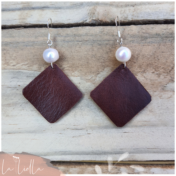 #51c pearly squares   burgundy brown picture