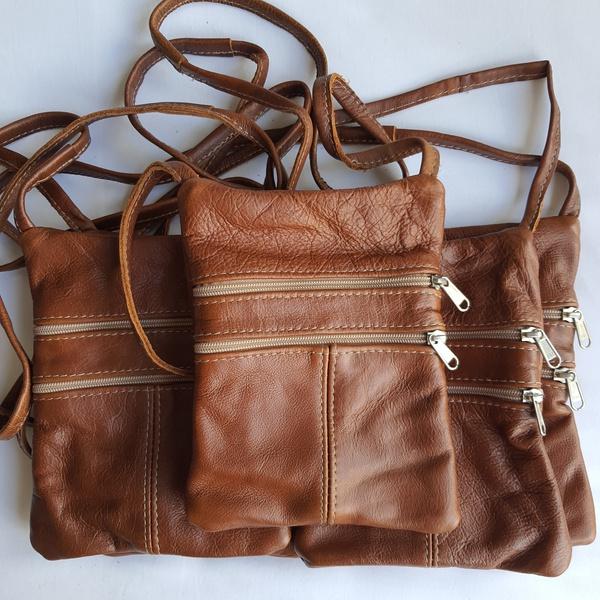 #1 caramel leather sling bag picture