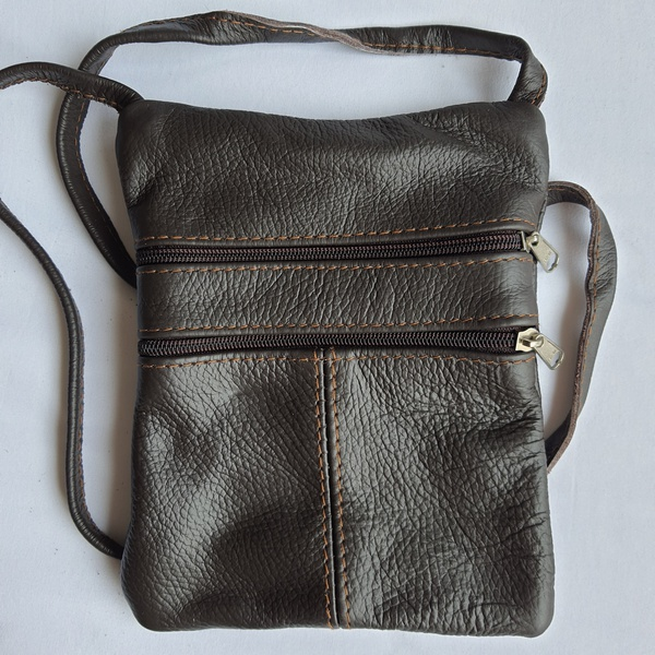 #4 choc leather sling bag picture