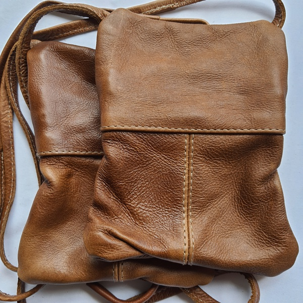 #21 green & white shweshwe strip | caramel leather picture