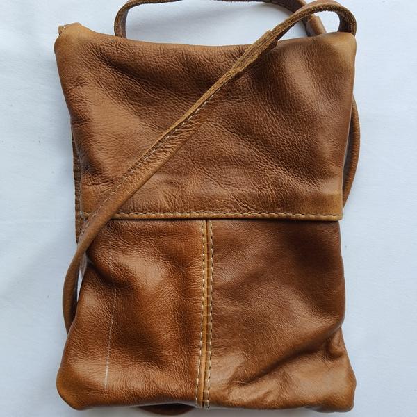 #22 green & orange shweshwe strip   caramel leather picture