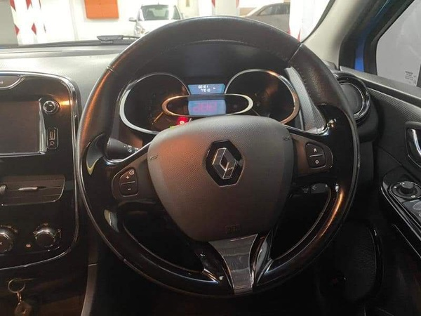 2014  renault clio 66kw turbo expression picture
